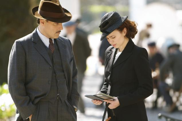 Rufus Sewell and Hayley Atwell in Restless.