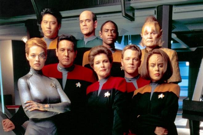 Star Trek: Voyager (UPN 1995-2001, Kate Mulgrew, Robert Beltran)