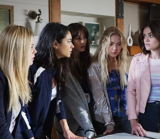 Pretty Little Liars Playtime