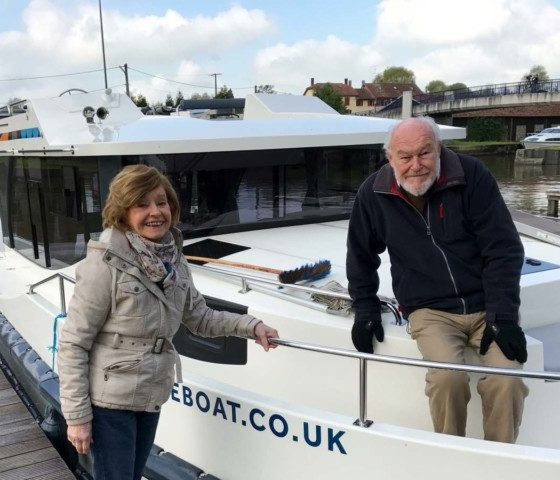 Great Canal Journeys Timothy West and Prunella Scales.