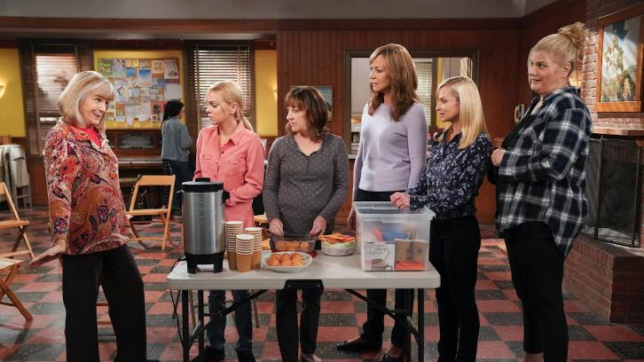 Mom: Flying Monkeys and a Tank of Nitrous(S6EP5 CBS Thurs 25 Oct 2018)