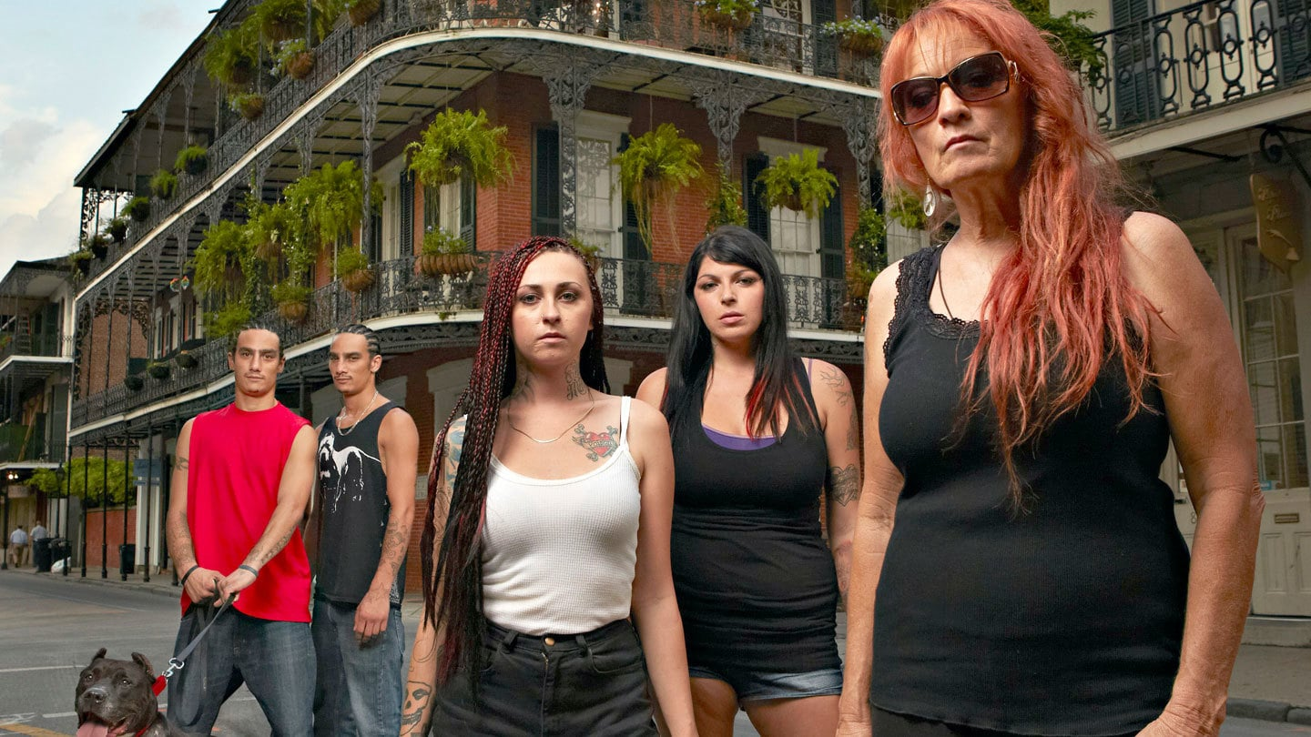 Pit Bulls and Parolees: A Box of Puppies(S10EP6 Animal