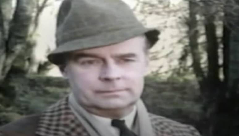 Lord Peter Wimsey Five Red Herrings BBC 1975